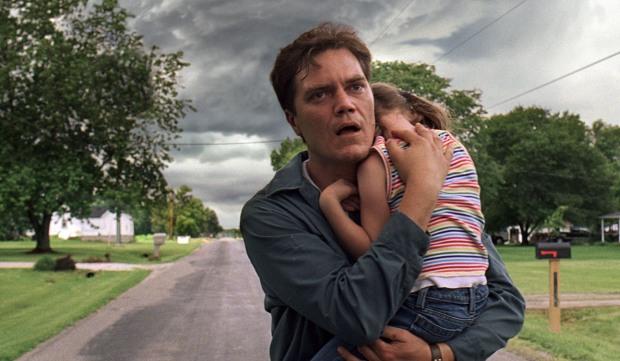 Un visage marqué par la terreur. Michael Shannon immense dans le rôle de Curtis LaForge