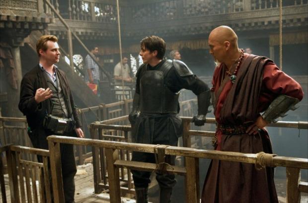 Christopher Nolan à la réalisation de ce reboot très noir et très proche de l'univers originel de l'homme chauve-souris.